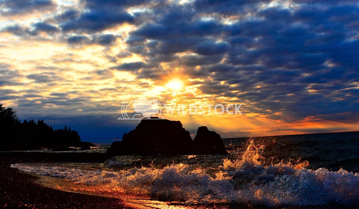 Sunrise over Lake Superior Gordon Lindgren