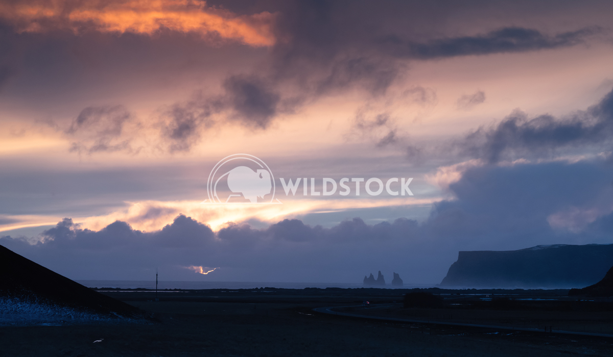 Landscape at sundown, Iceland, Europe 1 Alexander Ludwig Panoramic landscape along the southern coast of Iceland close t