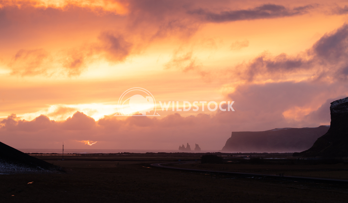 Landscape at sundown, Iceland, Europe 2 Alexander Ludwig Panoramic landscape along the southern coast of Iceland close t