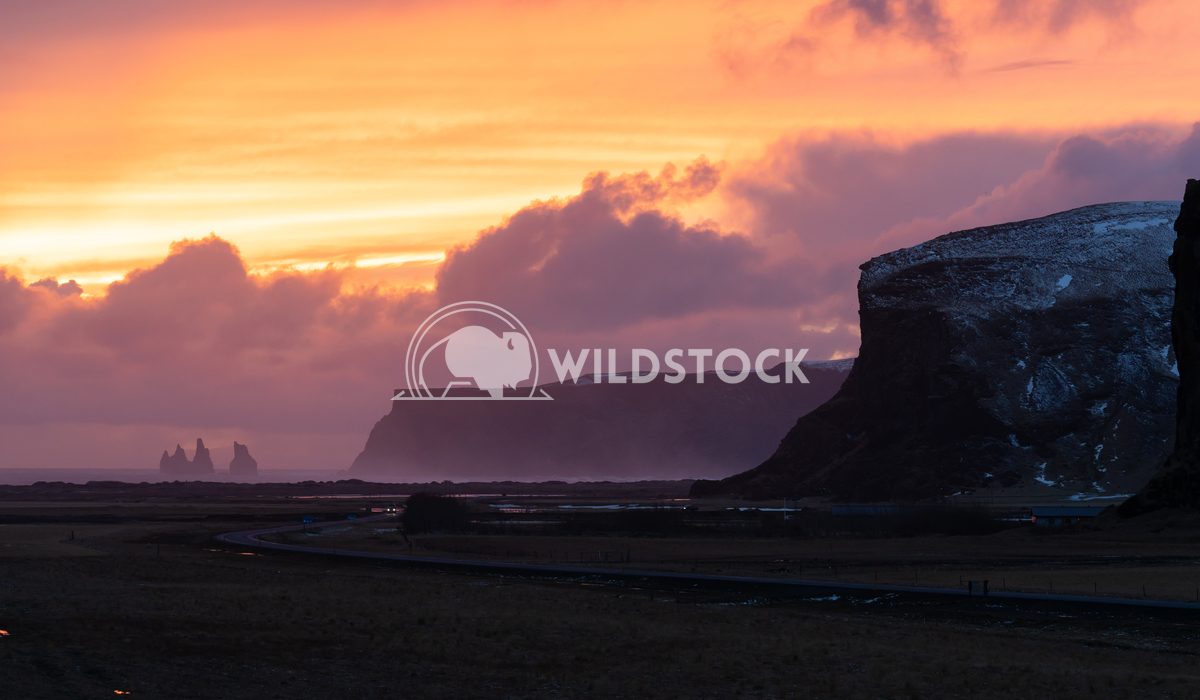 Landscape at sundown, Iceland, Europe 4 Alexander Ludwig Panoramic landscape along the southern coast of Iceland close t